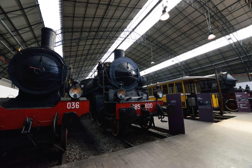 イタリアの機関車の展示