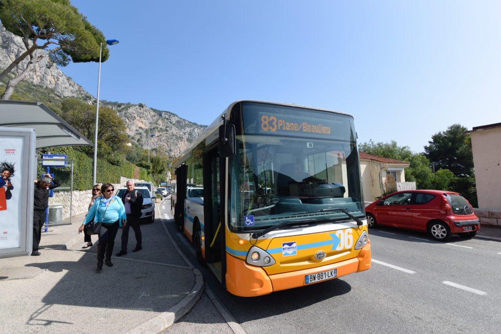 コートダジュール地方のローカルバス
