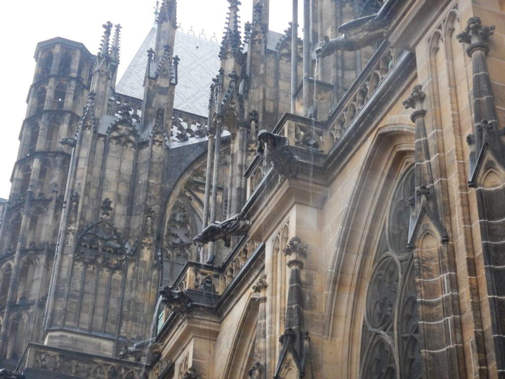 大聖堂の排水口