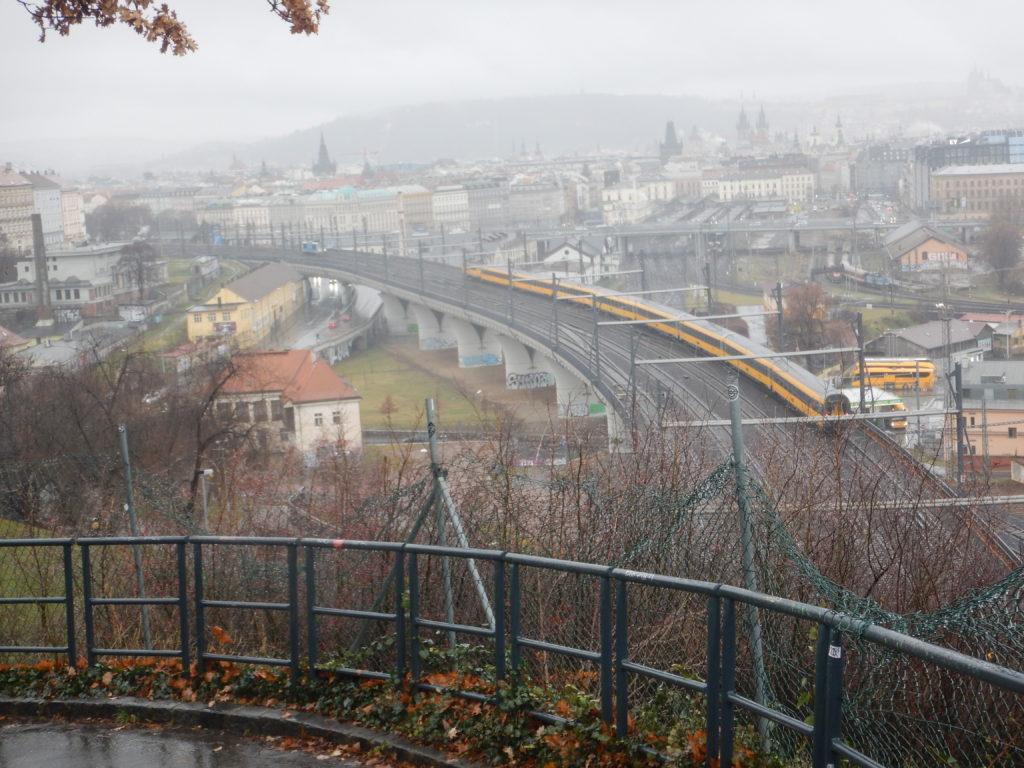 プラハの電車を眺められるスポット