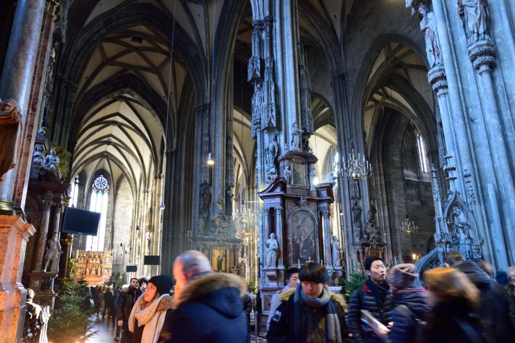 シュテファン大聖堂の内装
