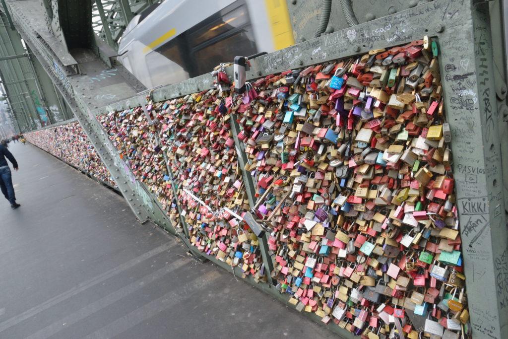 ケルンの橋の南京錠