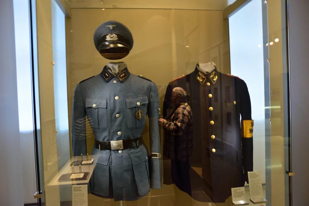 ドイツの過去の鉄道員の制服