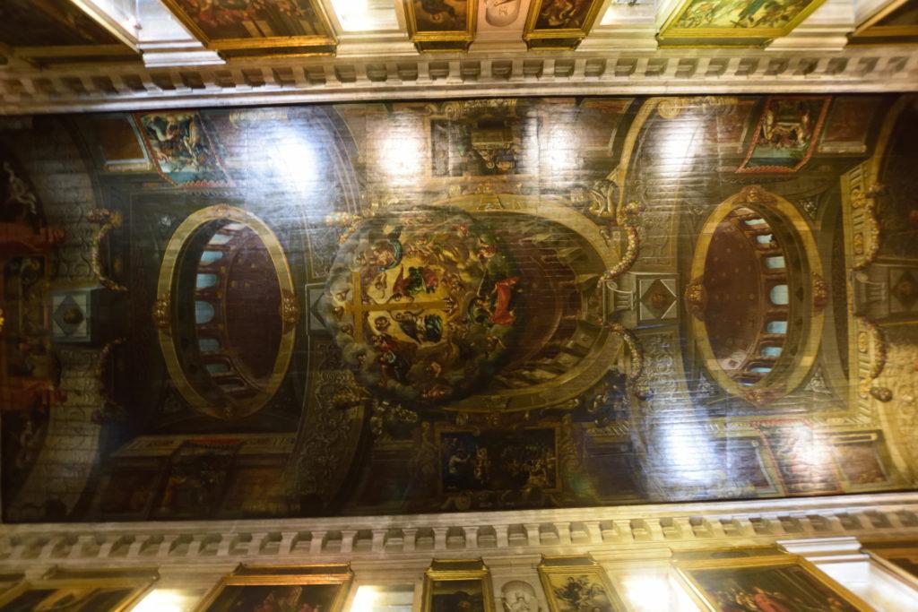 サン・ロッケ教会の天井の絵画