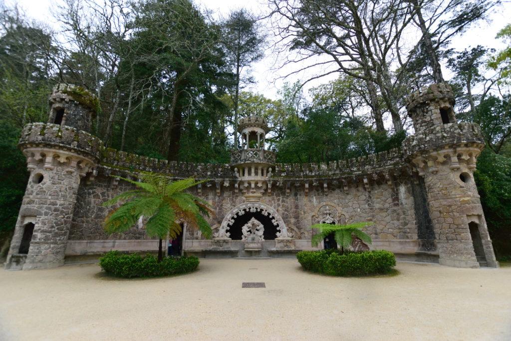 宮殿庭園内の建物