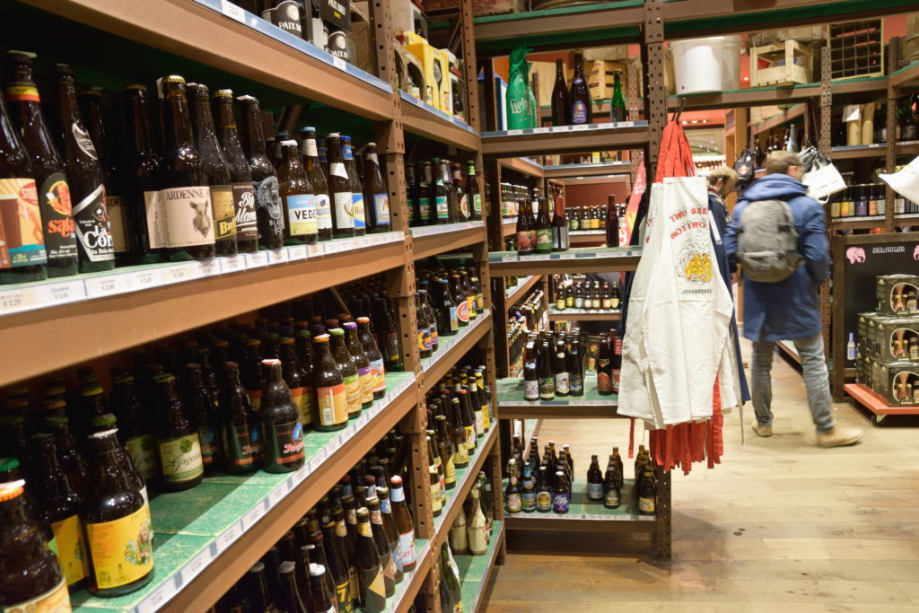 ビール店の店内