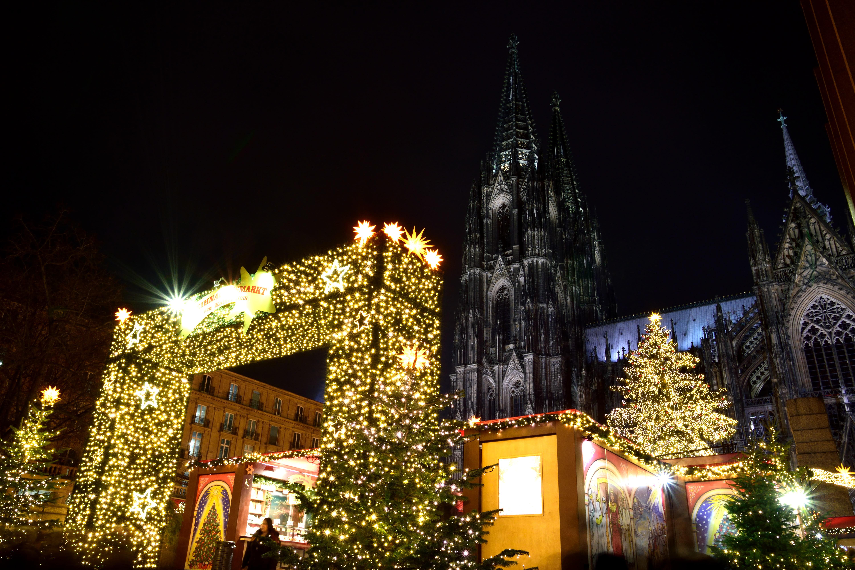 ケルン大聖堂とクリスマスマーケット