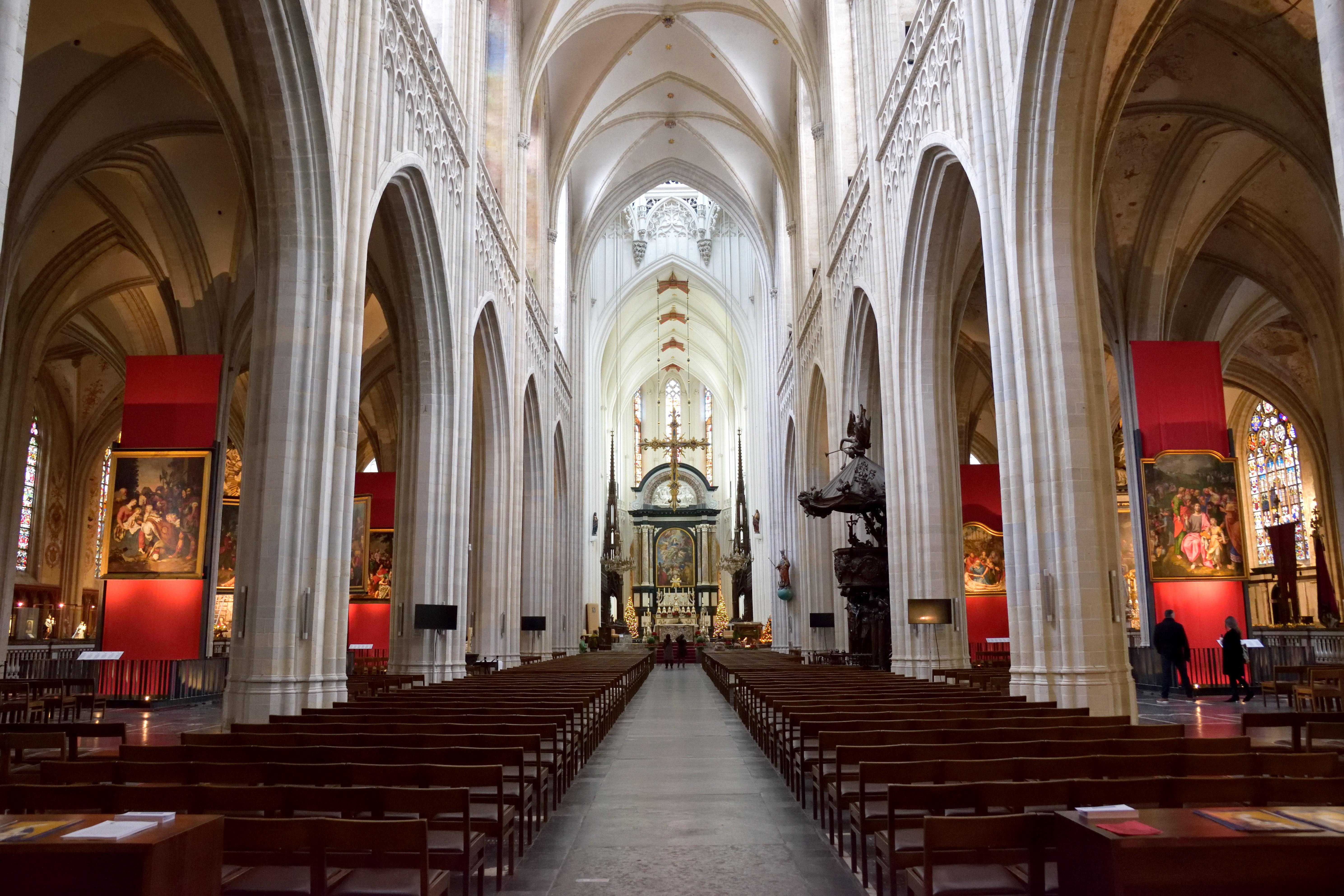アントワープ、聖母大聖堂の内装