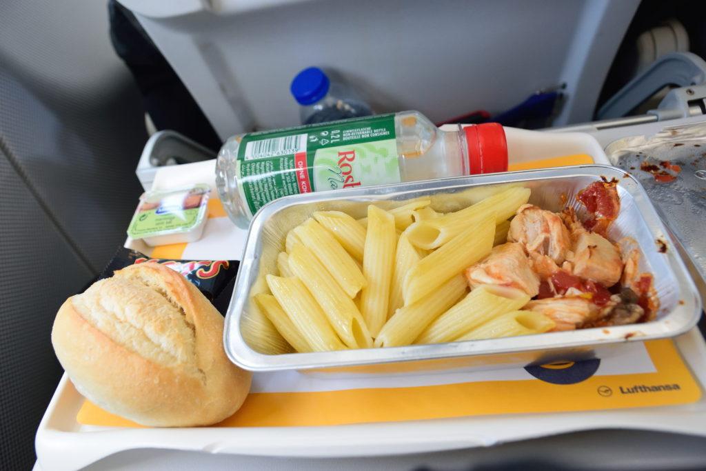 ルフトハンザ、ヨーロッパ圏内便での軽食