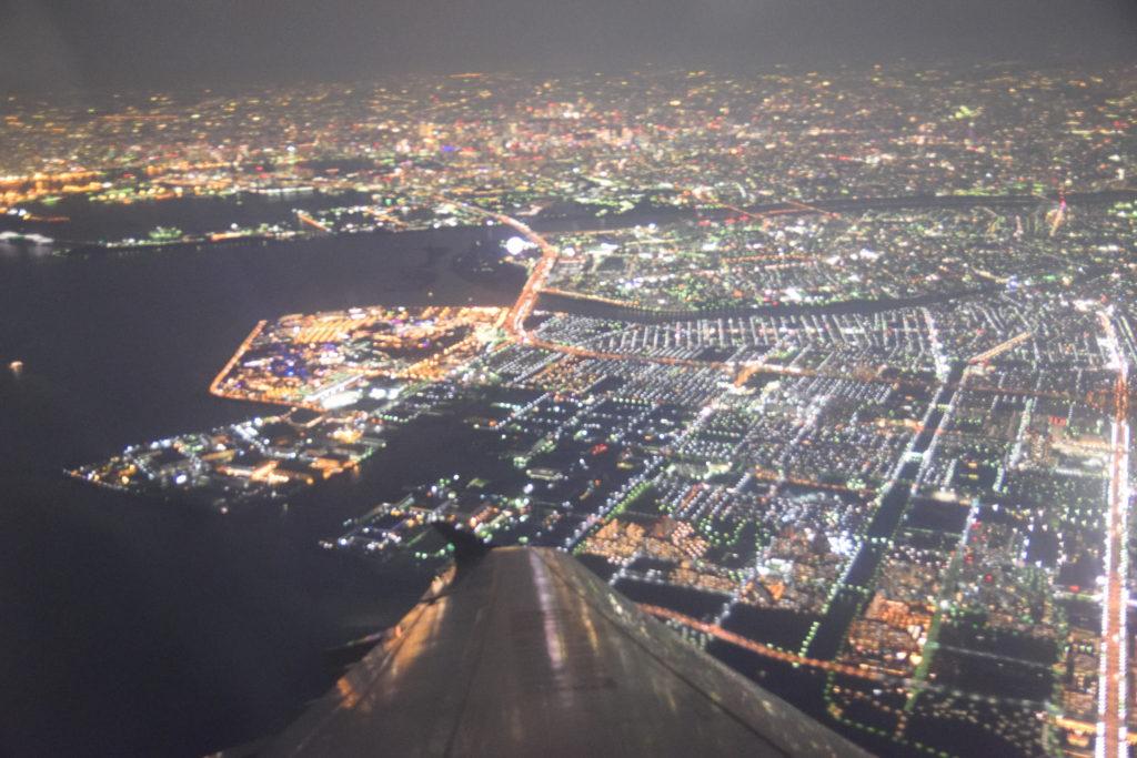 左旋回で見える東京の街並み