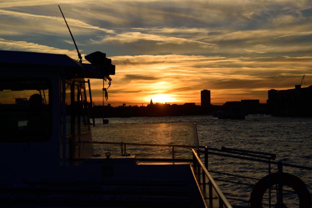 ウエストミンスター寺院に沈む夕日