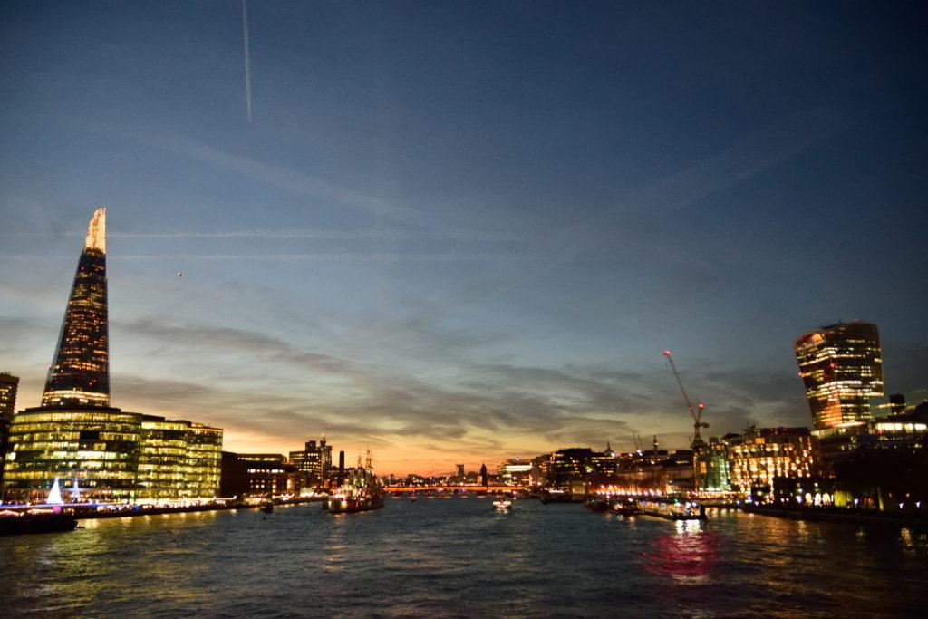 タワブリッジから観たロンドンの夜景