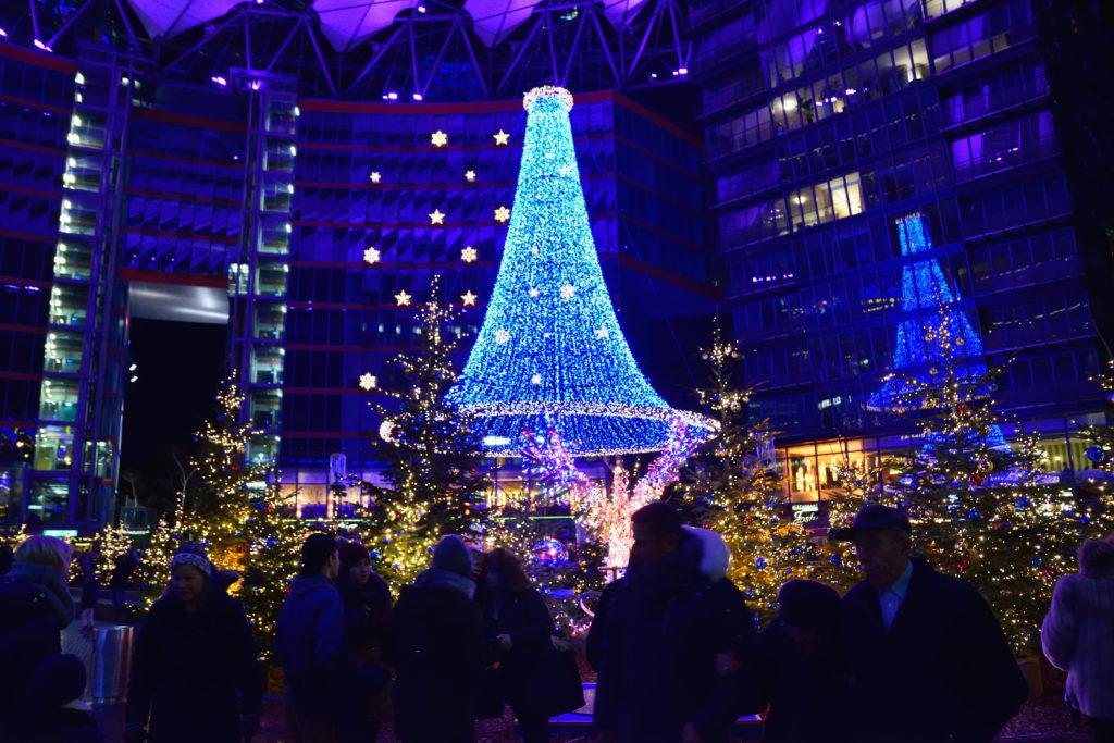 ベルリンのソニービルのクリスマスツリー