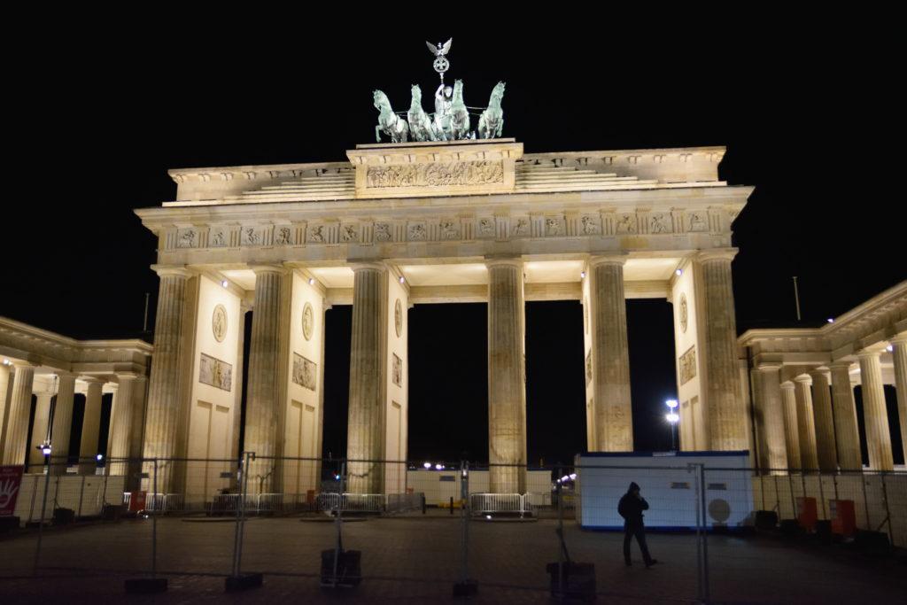 夜のブランデンブルク門