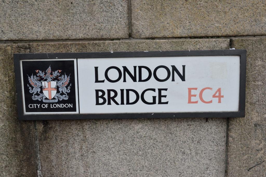 ロンドン橋の標識