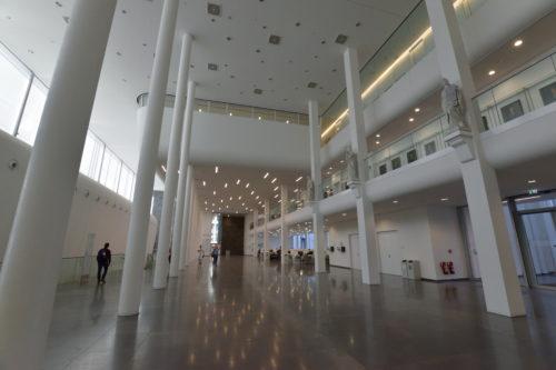 メインキャンパスの内部