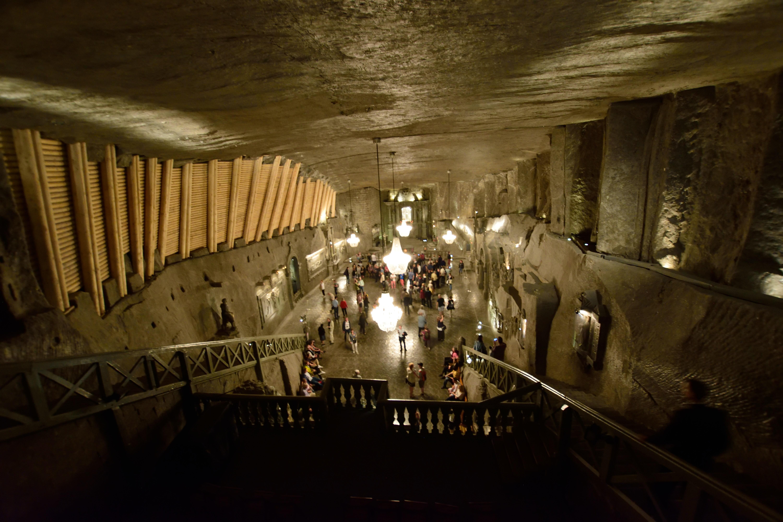 世界でも珍しい岩塩坑の世界遺産とポーランド旧都の街並み(旅行記Day3/5)