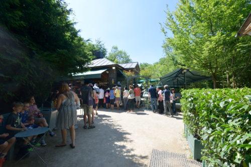 ヴェルサイユ庭園内の食事スタンド