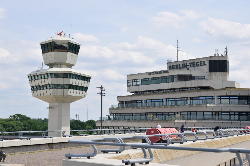 テーゲル空港の管制塔