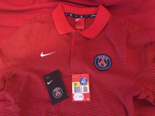 PSGのオフィシャルポロシャツ