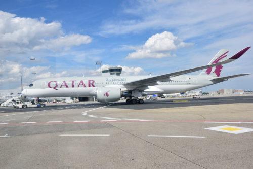 カタール航空A350-900を横から