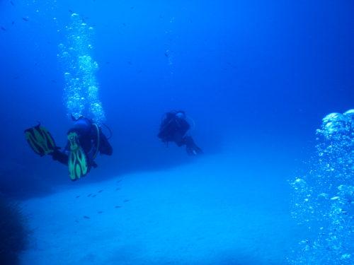 水深30m