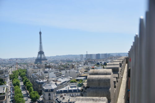 凱旋門から見たエッフェル塔