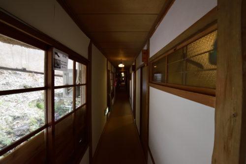 菊水館の廊下