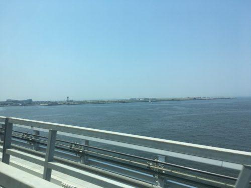 ポートライナーから見た神戸空港