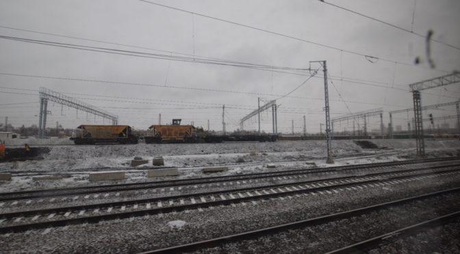大量の出稼ぎ労働者で車内はすし詰めに。 シベリア鉄道2日目|地球一周旅記DAY58