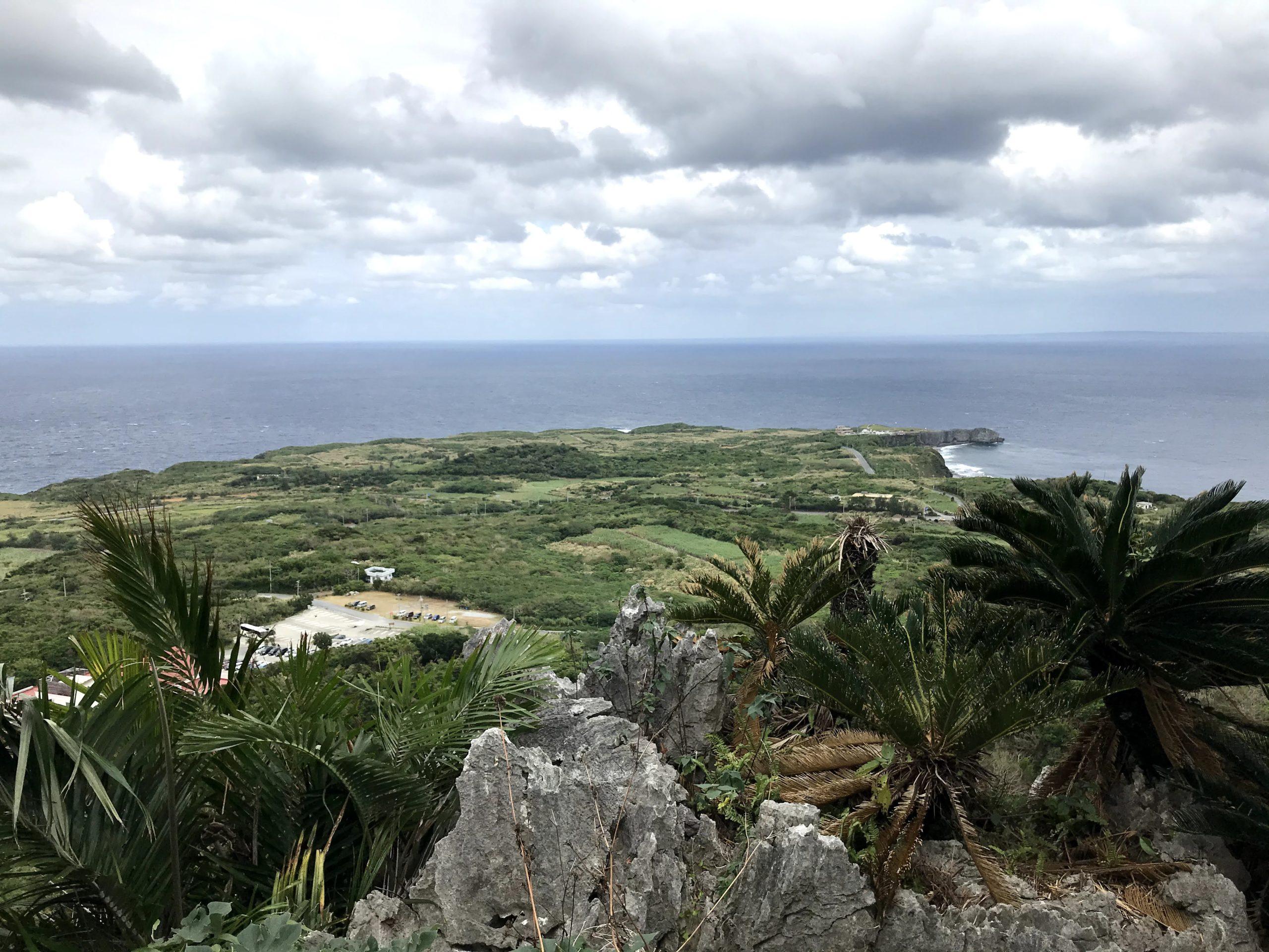 大石林山から見る本島最北辺戸岬