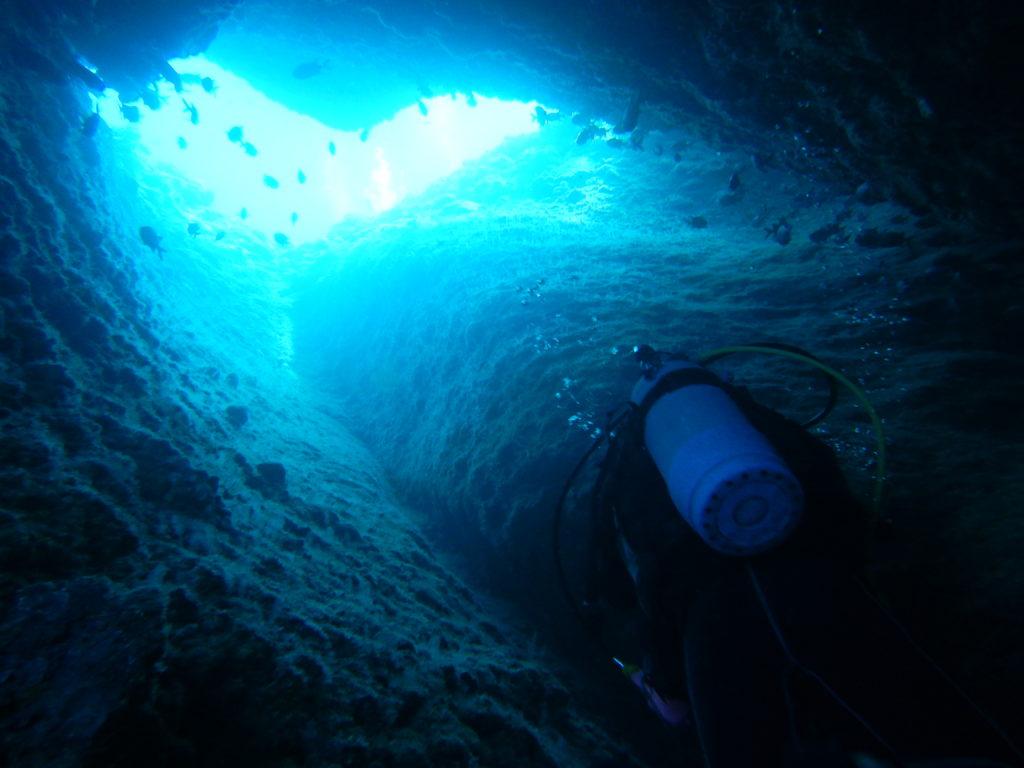 万座ホーシューの洞窟