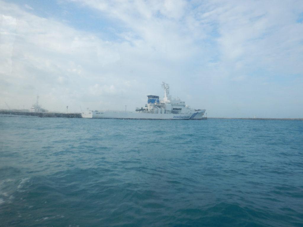 ダイブボートから見る石垣海保巡視艇